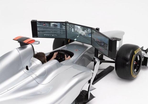 Английская компания выпустила полноразмерный симулятор «Формулы-1». Изображение № 3.