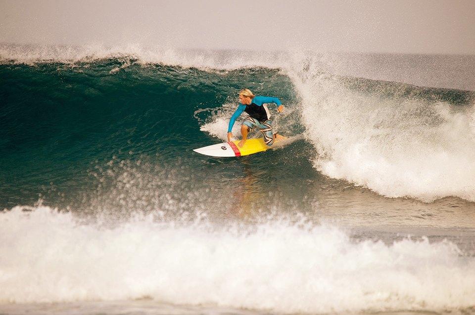 Russia Goes Surfing: Репортаж из серферского лагеря на Мальдивах. Изображение № 5.