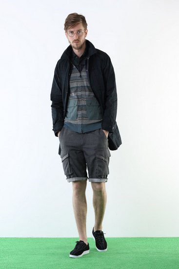 Японская марка White Mountaineering выпустила лукбук весенней коллекции одежды. Изображение № 3.