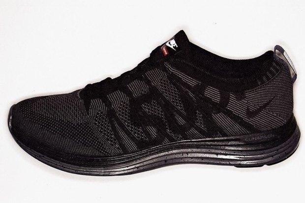 Капсульная коллекция кроссовок Supreme и Nike была продана за 30 секунд. Изображение № 5.