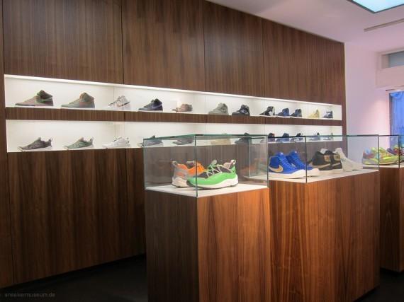Выставка Stussy в музее кроссовок. Изображение № 4.