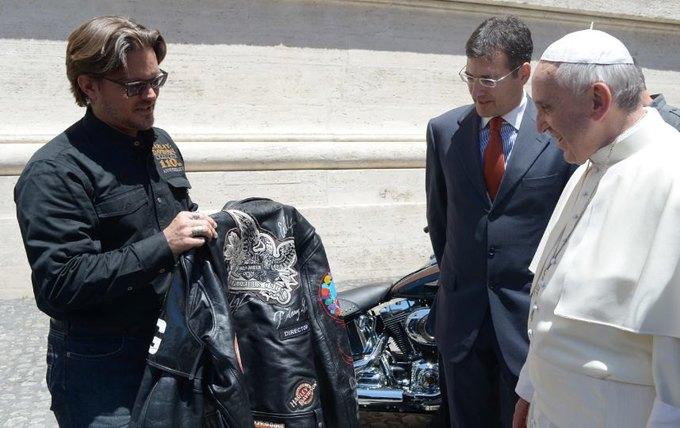 Папа Римский продаст свой Harley-Davidson на аукционе. Изображение № 1.