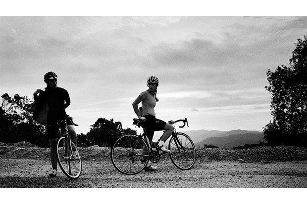 Велосипедная марка Rapha опубликовала весенний лукбук. Изображение № 17.