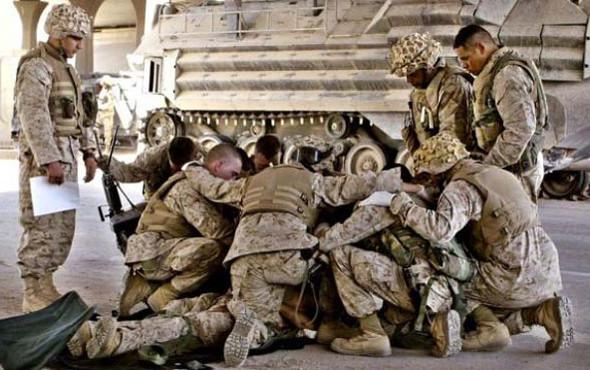 Военное положение: Одежда и аксессуары солдат в Ираке. Изображение № 25.