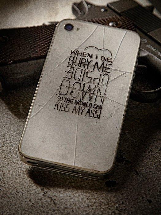 Killing for Peace: Гравировки на телефонах американских солдат. Изображение № 4.