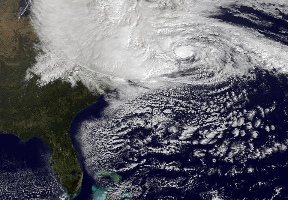 Фотографии урагана Сэнди, вид из космоса. Изображение № 9.