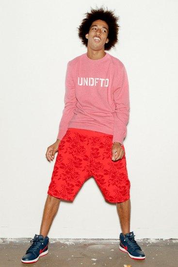 Участник Odd Future снялся в летнем лукбуке марки Undefeated. Изображение № 2.