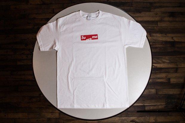 Сайт AnimalNewYork выпустил бесплатную футболку с пародией на марку Supreme. Изображение № 6.