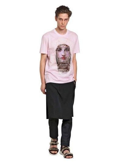 Givenchy выпустили коллекцию футболок с изображением Мадонны. Изображение № 27.