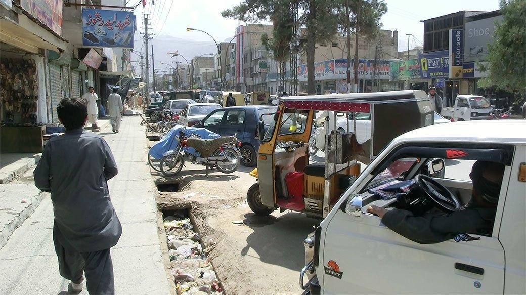 Домашний арест, ночь в пещере и автокатастрофа: Путешествие из Украины в Пакистан на велосипеде. Изображение № 19.