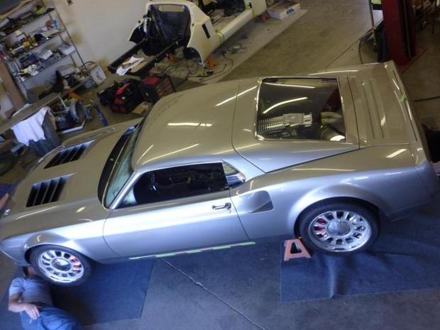 Американская мастерская изготовила гибрид маслкара Ford Mustang Mach 1 и спорткара GT40. Изображение № 10.