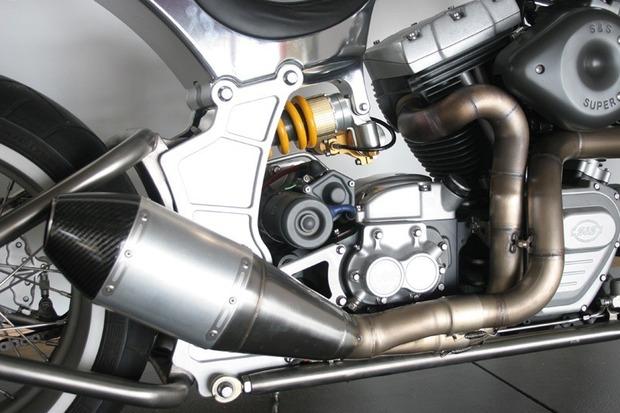 Киану Ривз основал компанию по производству кастомных мотоциклов на базе Harley-Davidson. Изображение № 13.