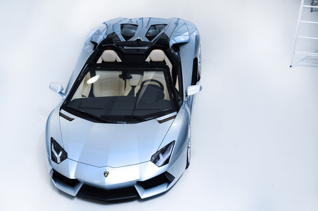 Lamborghini представили новый суперкар Aventador LP700-4 Roadster . Изображение № 13.