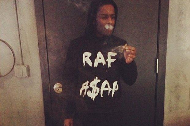 Дизайнер Раф Симонс и рэпер A$AP Rocky выпустят совместную коллекцию одежды. Изображение № 1.