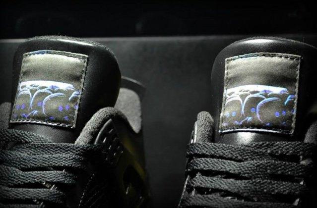 Air Jordan выпустили кроссовки, вдохновлённые PS4, с HDMI. Изображение № 4.