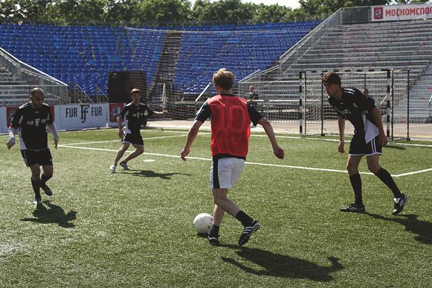 Детали: Репортаж с футбольного турнира магазина FOTT. Изображение № 6.