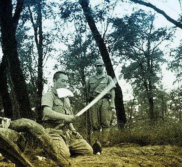 В сети появились уникальные кадры харакири японского офицера . Изображение № 5.