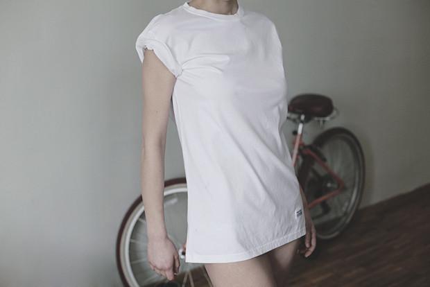 Ревизия: Тест промокаемости белых футболок. Изображение № 2.