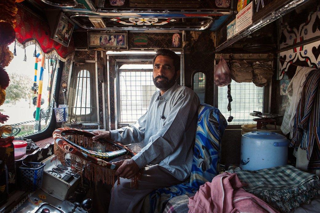 Я и друг мой грузовик: Индийские дальнобойщики и их автомобили. Изображение № 20.