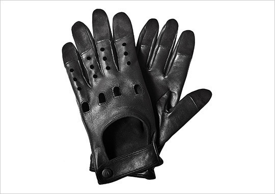 Изображение 1. Водительские перчатки от дизайнера Ричарда Чая.. Изображение № 1.