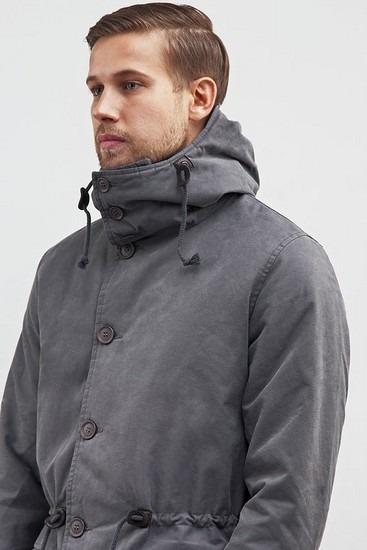 Петербургская марка Devo опубликовала лукбук зимней коллекции одежды. Изображение № 14.