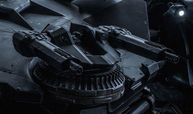 Опубликованы фото нового бэтмобиля из фильма «Бэтмен против Супермена». Изображение № 4.