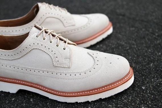 Марка Dr. Martens выпустила весеннюю коллекцию обуви. Изображение № 1.