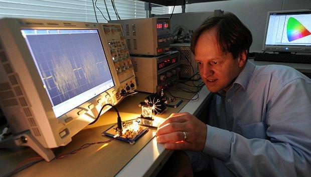 Ученые создали беспроводной интернет, передающий данные через обыкновенные лампочки. Изображение № 1.