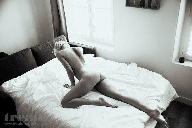 Российская модель Ольга Шулдык снялась для американского журнала Treats!. Изображение № 6.