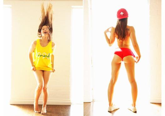 Актрисы порно переодеваются в уличную одежду. Изображение № 3.