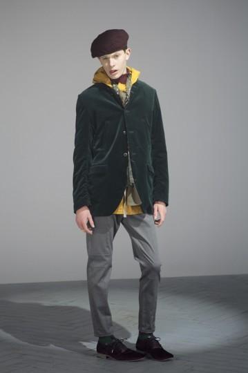 Японская марка Undercover выпустила лукбук осенней коллекции одежды. Изображение № 21.