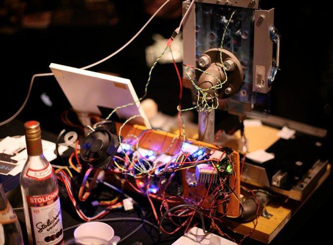 Школа барменов: Как люди пытаются научить роботов наливать выпивку и правильно смешивать коктейли. Изображение № 11.