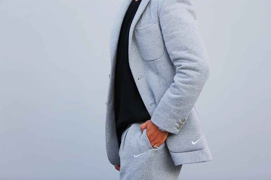 Флисовые брюки Nike превратили в деловой костюм. Изображение № 4.