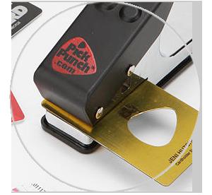 Инвентарь: Степлер Pick Punch для создания гитарных медиаторов. Изображение № 2.