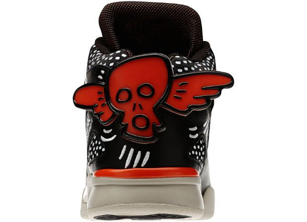 Reebok Classic выпустили новые кроссовки с рисунками Кита Харинга. Изображение № 14.