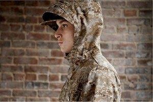 Марка Woolrich Woolen Mills опубликовала лукбук осенней коллекции одежды. Изображение № 18.