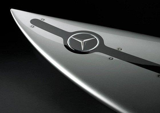Mercedes-Benz и Гарретт Макнамара представили совместную серию досок для сёрфинга. Изображение № 1.