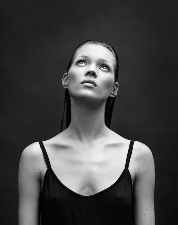 Кейт Мосс выпустила книгу своих фотографий. Изображение № 8.