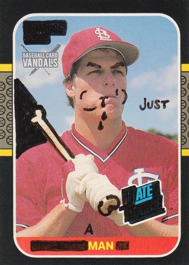 Baseball Card Vandals: Художники иронизируют над спортивными коллекционными карточками. Изображение № 4.