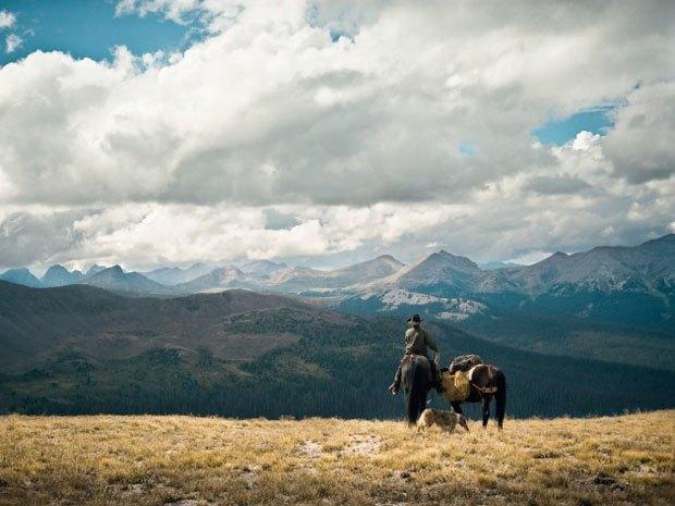 Марка Filson выпустила видео о путешествии своего покупателя по Колорадо. Изображение № 6.