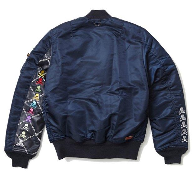 Марки Mastermind Japan и Uniform experiment выпустили капсульную коллекцию одежды. Изображение № 5.