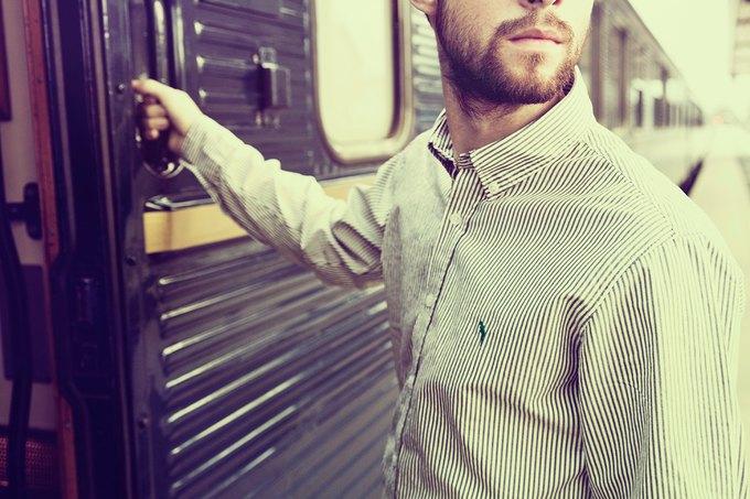 Шведская марка Velour опубликовала лукбук летней коллекции одежды. Изображение № 5.
