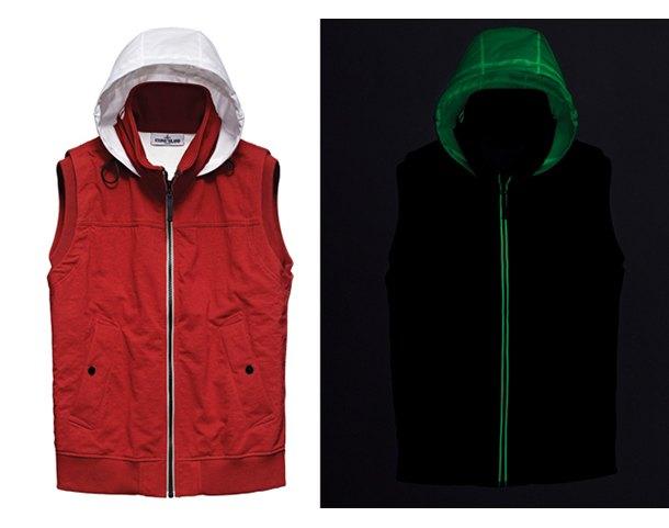 Марка Stone Island выпустила новую коллекцию одежды, светящейся в темноте. Изображение № 4.