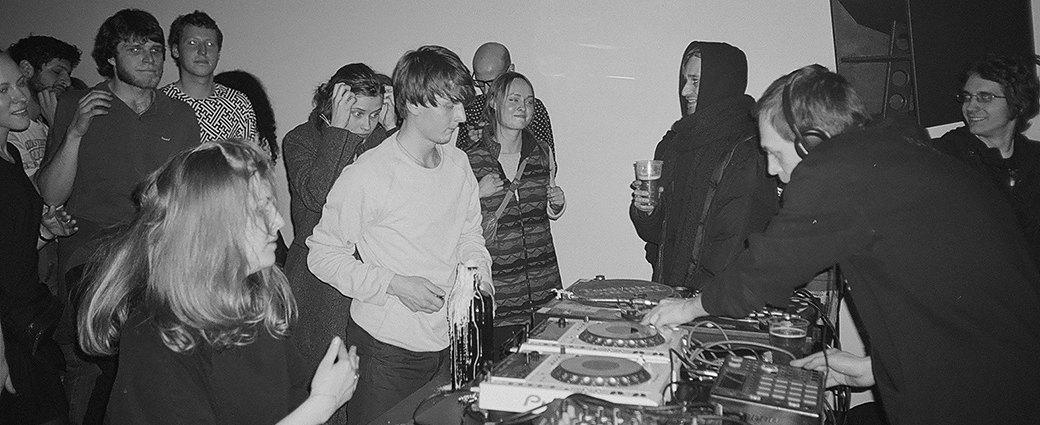 Фоторепортаж: Открытие клуба «НИИ» и шоукейс лейбла «ГОСТ Звук». Изображение № 5.