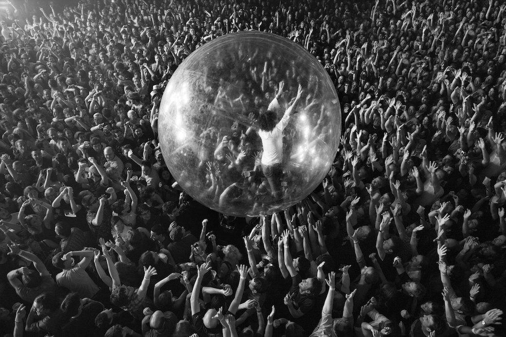 Музыка нас связала: Фотограф Эрин Фейнберг десять лет снимает фанатов на концертах. Изображение № 8.