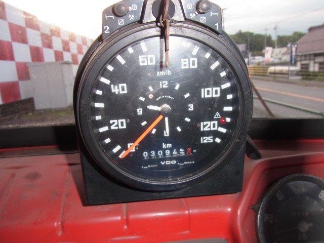 Трейлер для перевозки болидов «Формулы-1» выставлен на продажу. Изображение № 5.