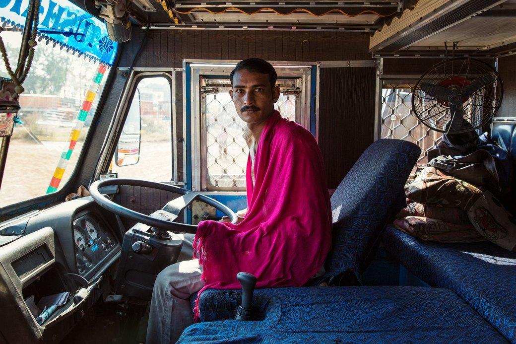 Я и друг мой грузовик: Индийские дальнобойщики и их автомобили. Изображение № 6.