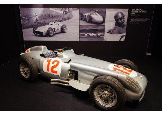 Легендарный болид «Формулы-1» Mercedes-Benz W196 1954 года выставлен на аукцион. Изображение № 5.