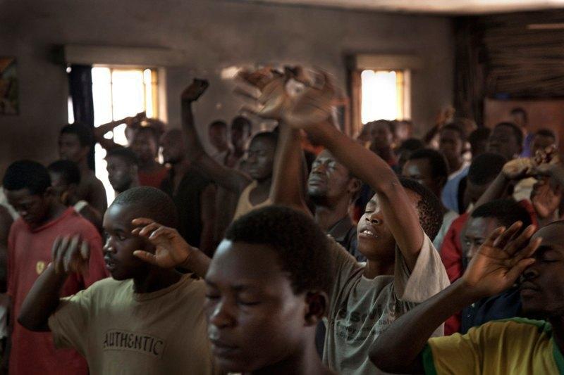 Как подростки Сьерра-Леоне годами живут в тюрьме в ожидании суда по их делу. Изображение № 15.