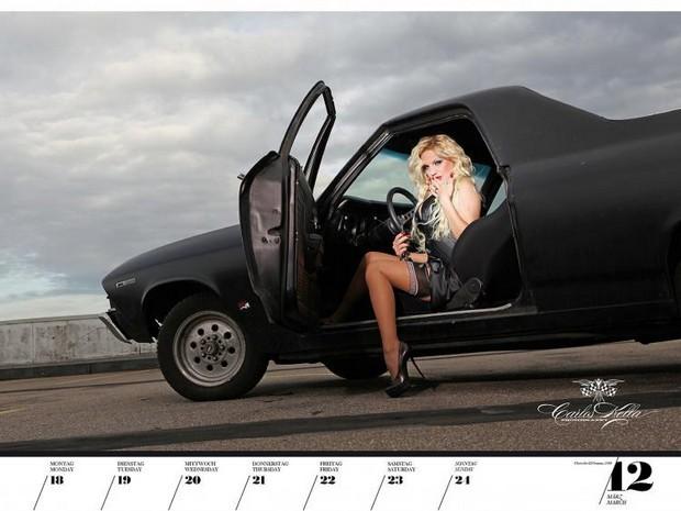 10 эротических календарей на 2013 год. Изображение № 79.